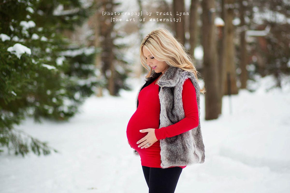 73d78a52aa622 Winter Wonderland Maternity Photographer Metro Detroit / Ann Arbor ...